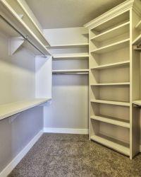 028_Walk-in Closet