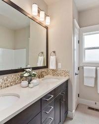 25-Bathroom