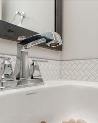 23-Bathroom-Detail